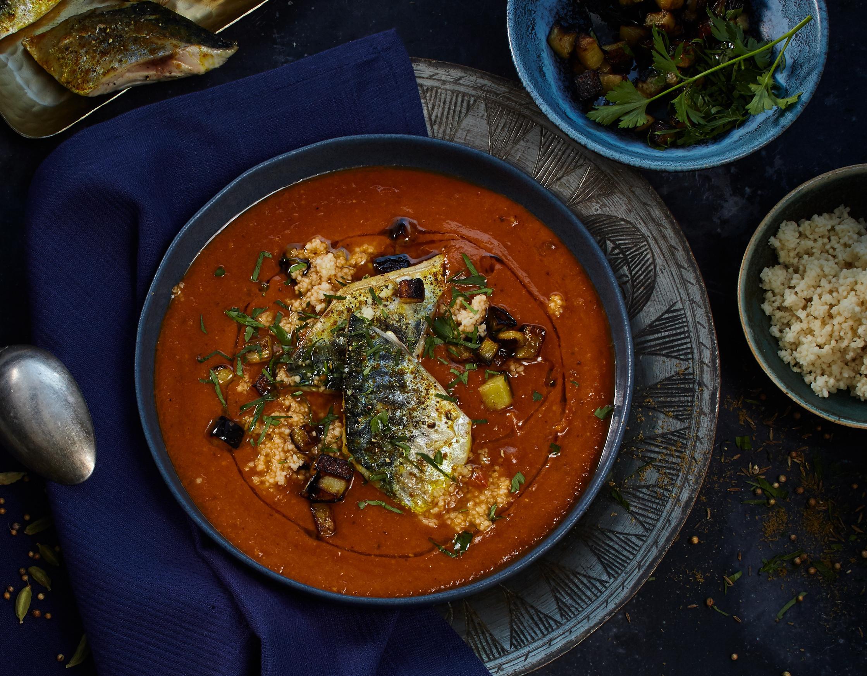Auberginensuppe mit Currymakrele