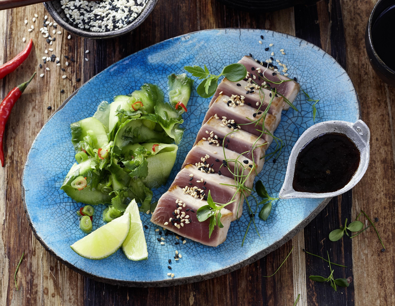 "Tuna-Tataki & Gurkensalat ""Thai Style"""