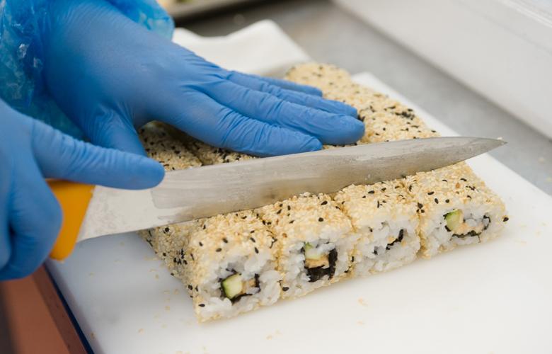 Geschaeftskunden-Gastronomie-Sushi-California-Roll-780x500