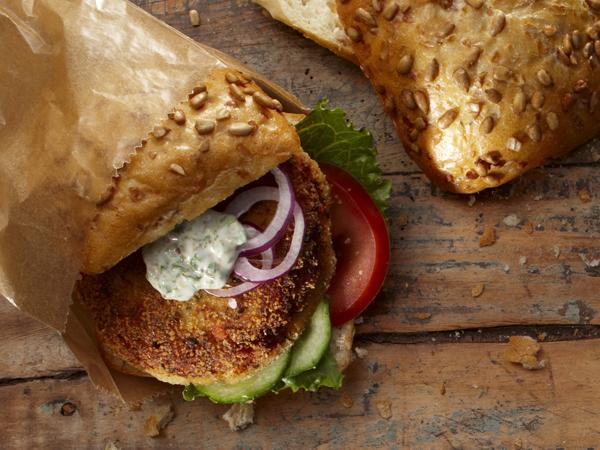 Fischfrikadelle-Tipp-Fischburger-Mediterran-Rezepte-Hauptgerichte-600x450