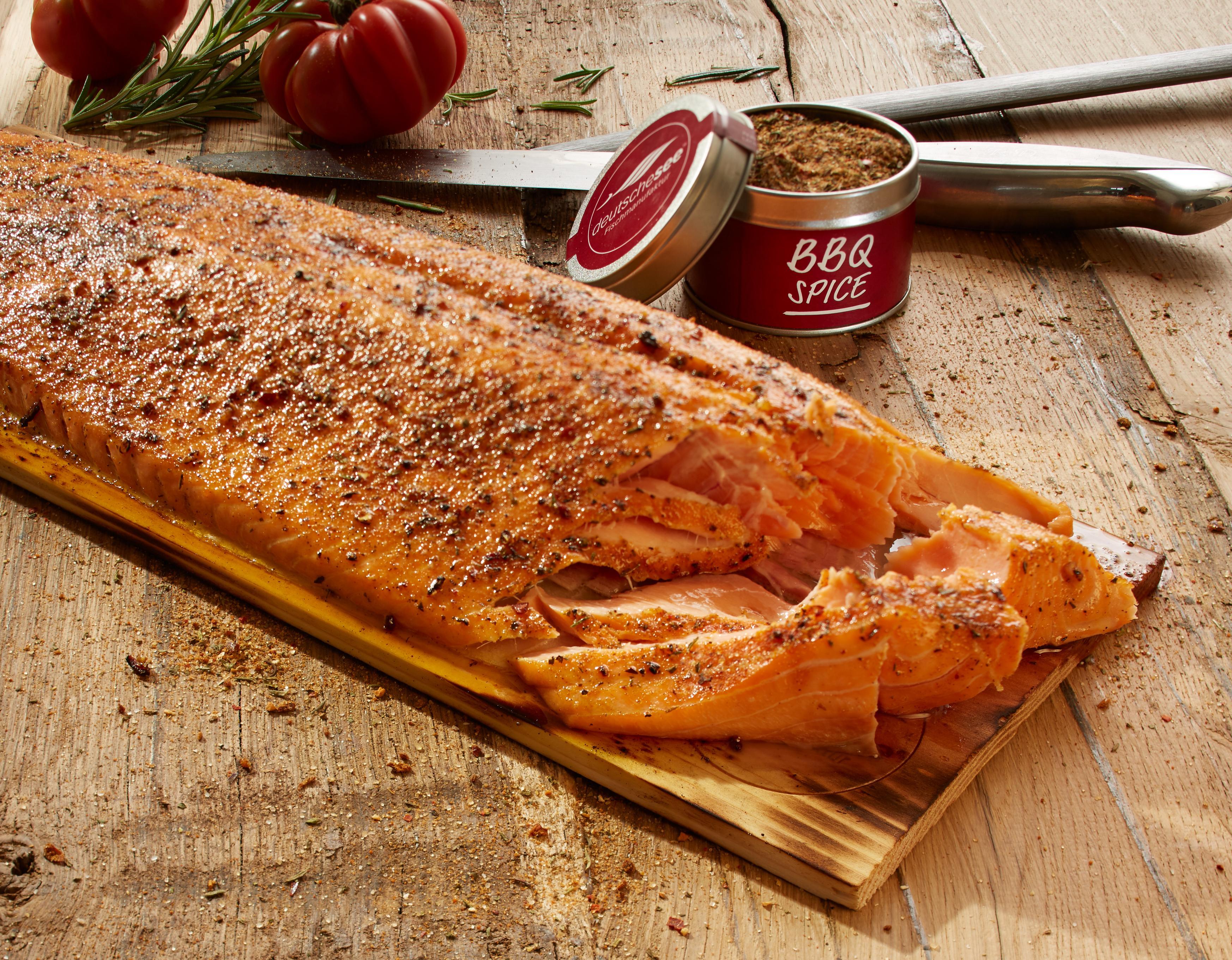 Fisch Gasgrill : Lachs auf zedernholz grillen tipps von profis rezepte deutsche see