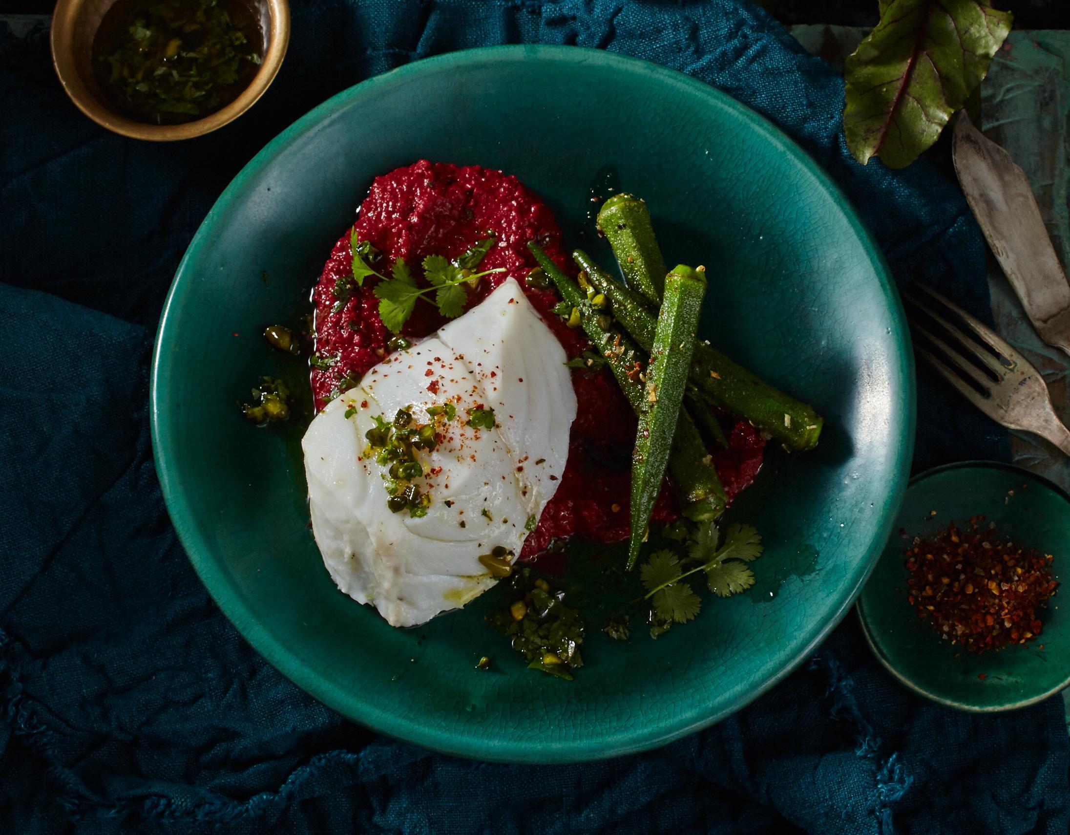 Kabeljau mit Rote-Bete-Hummus