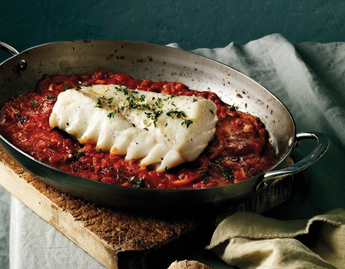 Skrei im Ofen gebacken auf Tomaten-Knoblauch-Beet