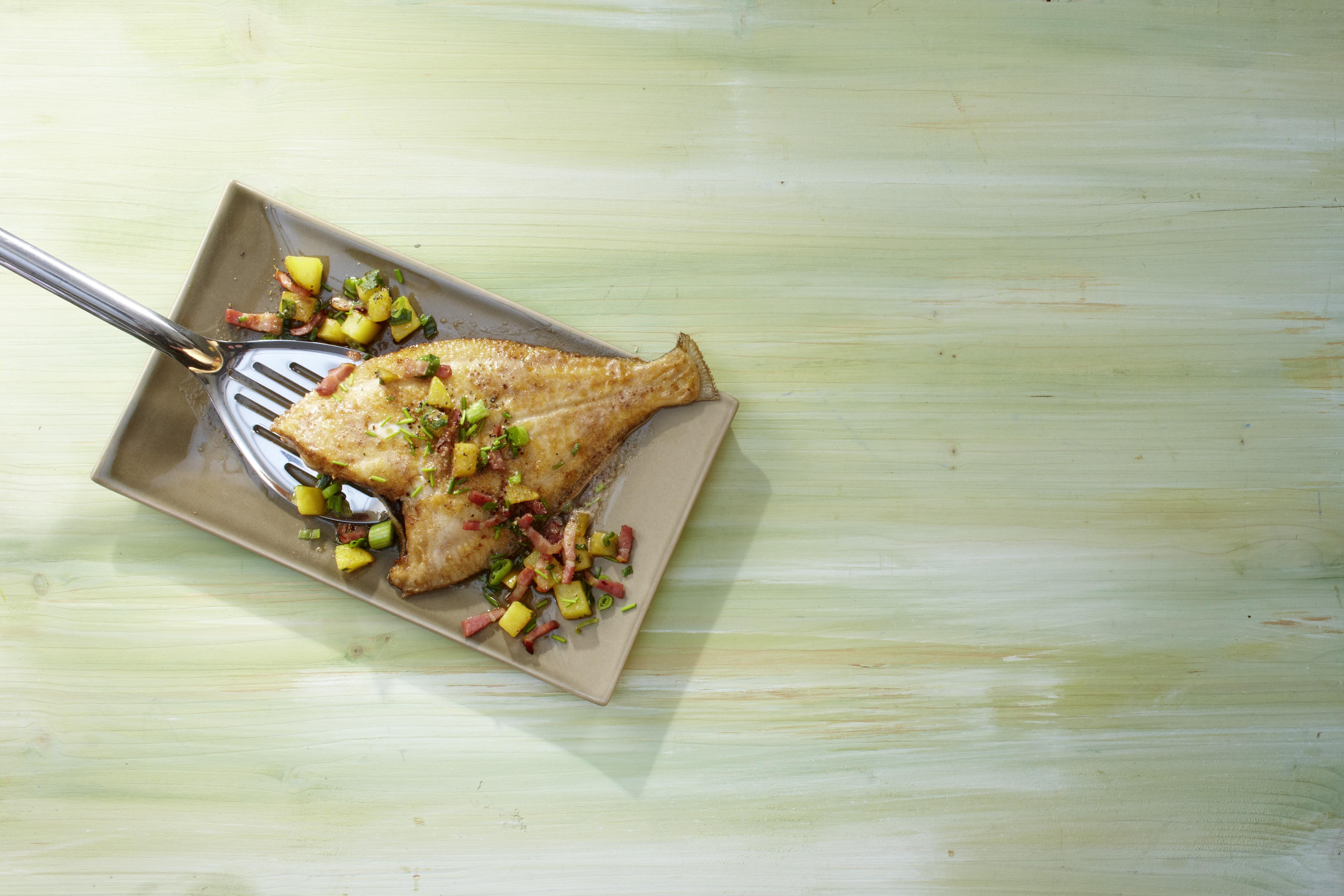 Scholle Mit Speckkartoffeln Frühlingszwiebeln Hauptgerichte