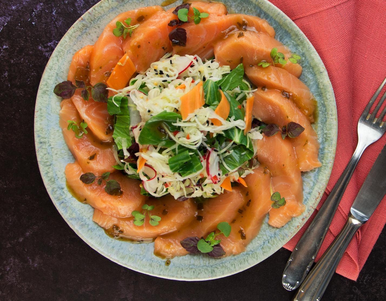 Asiatischer Lachssalat