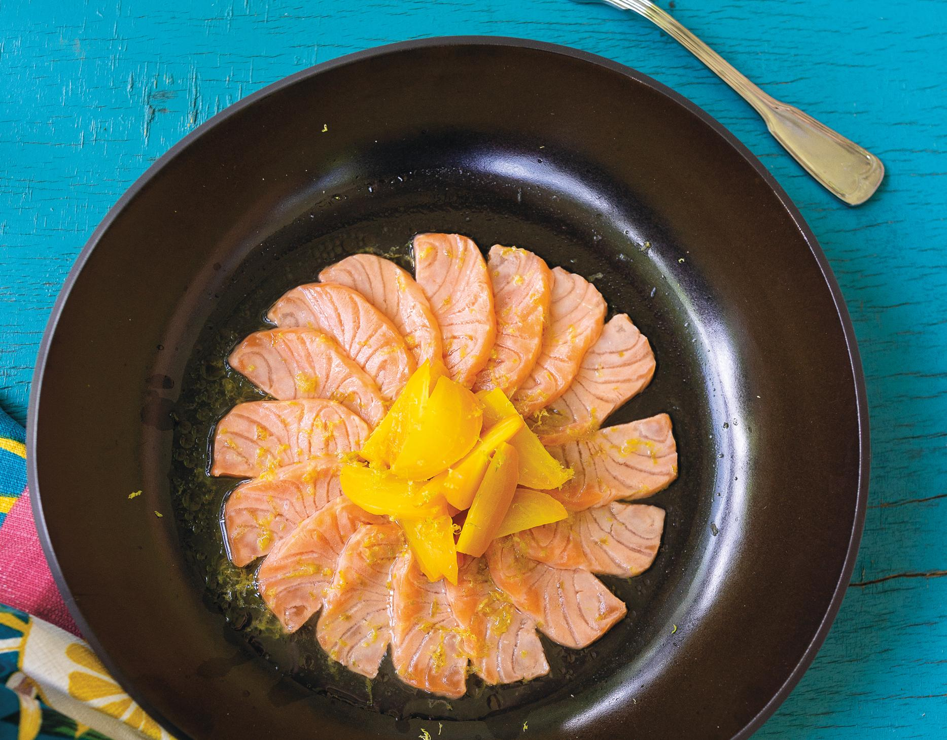 Lachs-Ceviche mit Gelbe Bete