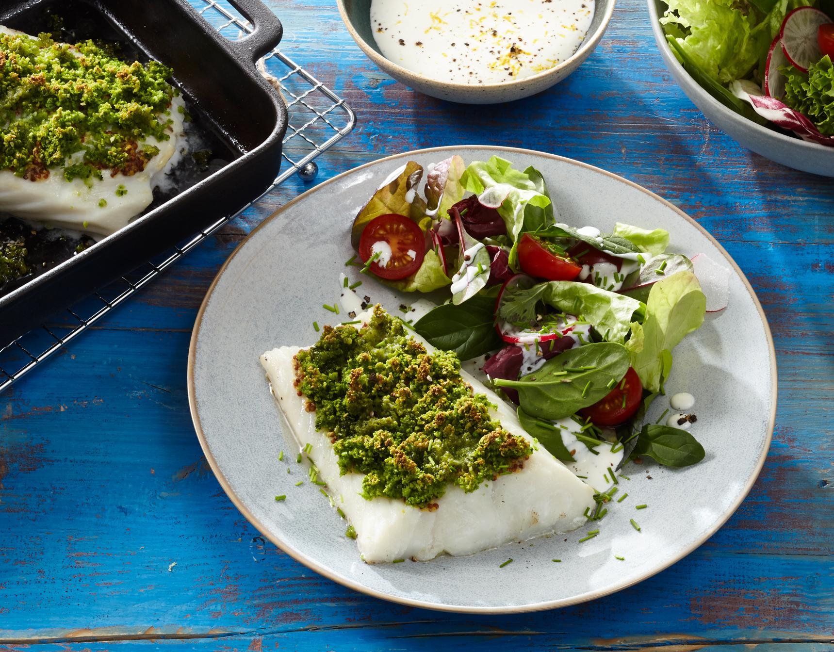 Kabeljau mit Kräuterkruste & Salat