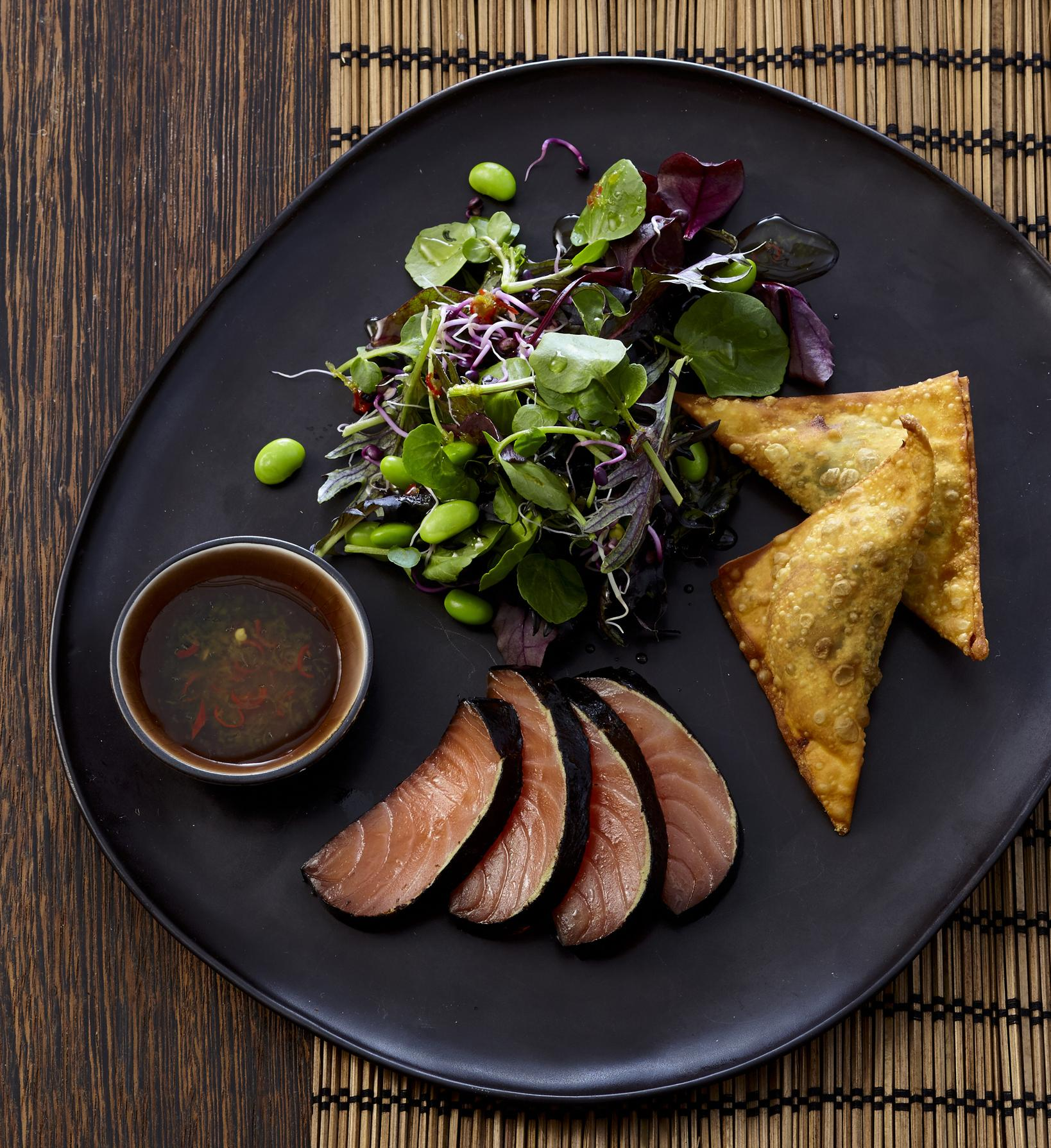 nori lachs mit asiatischem salat vorspeisen rezepte. Black Bedroom Furniture Sets. Home Design Ideas