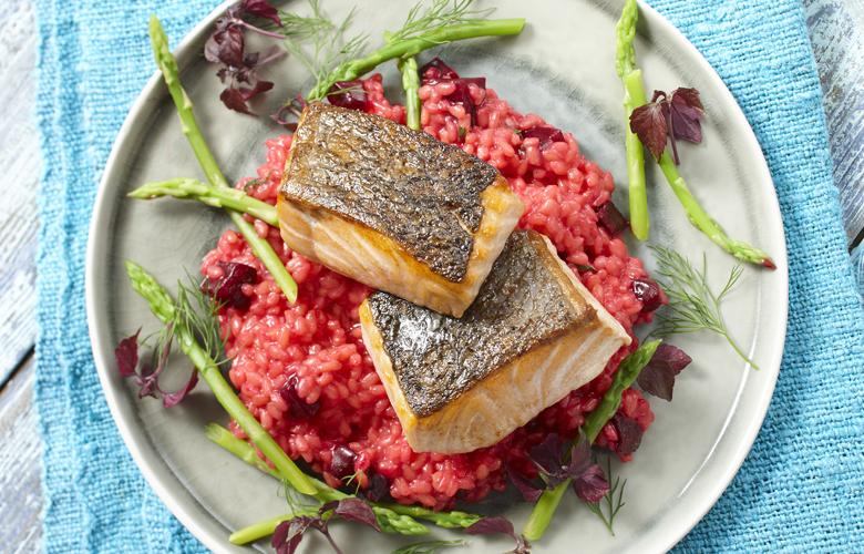 Faeroer-Lachs-auf-Rote-Bete-Risotto-Rezepte-Hauptgericht-780x500