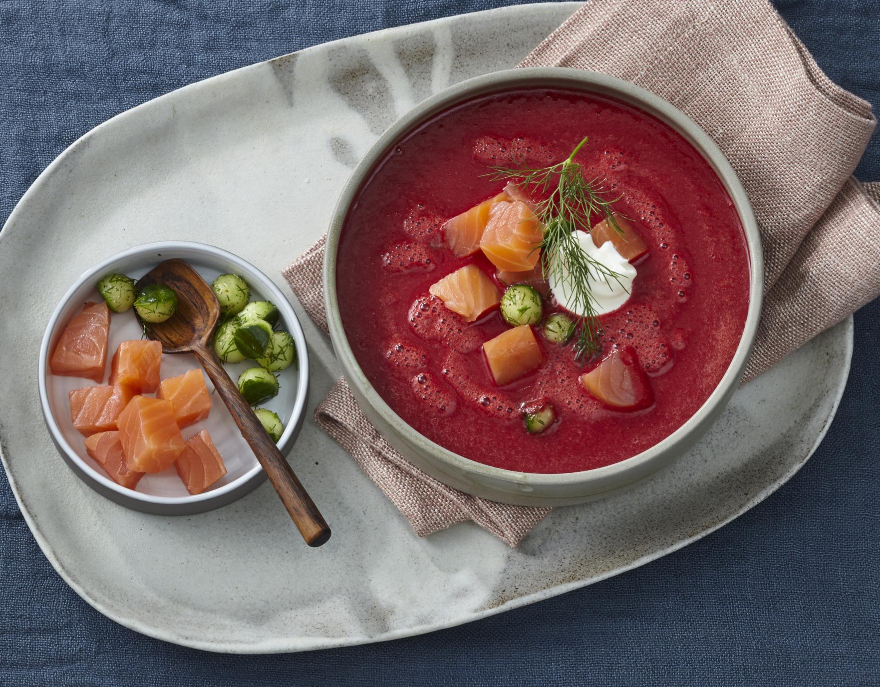 Rote-Bete-Suppe mit Räucherlachs
