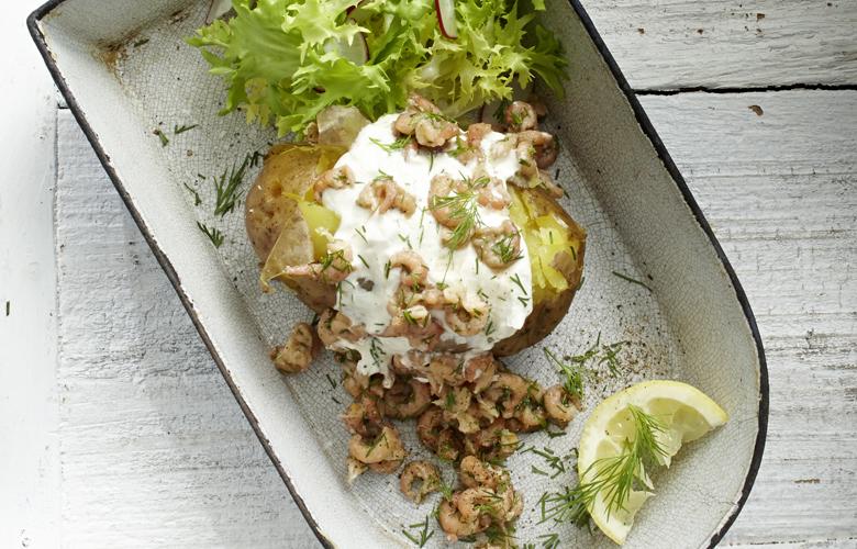 Rezept-Hauptgerichte-Ofenkartoffel-mit-Krabben-Sour-Cream-780x500