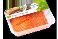 Frischer-Fisch-aus-dem-Kuehlregal-Bio-Lachs-Filets-Produkte-Spezialitaeten