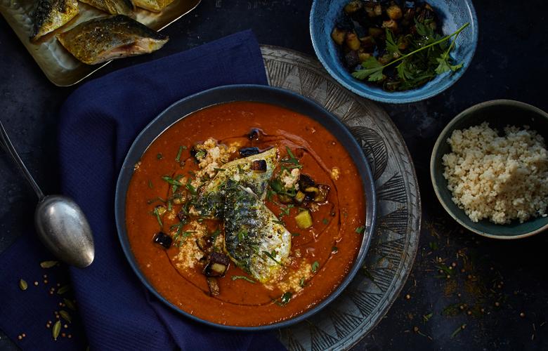 Auberginensuppe-mit-Currymakrele-Rezepte-Suppen-780x500