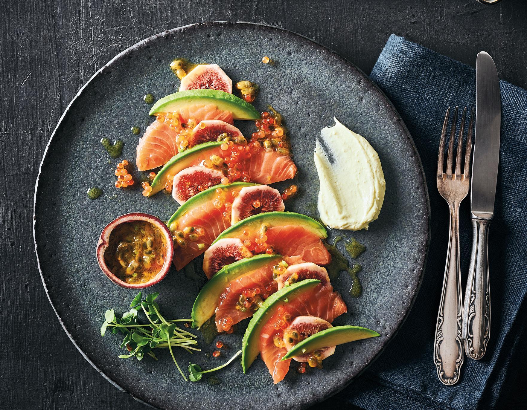 Lachs-Sashimi mit Passionsfrucht-Marinade