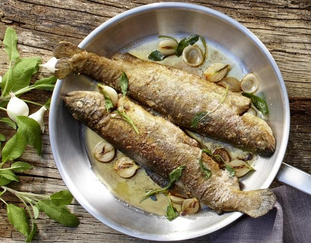 Rezept: Forelle mit Salbei & Schalotten