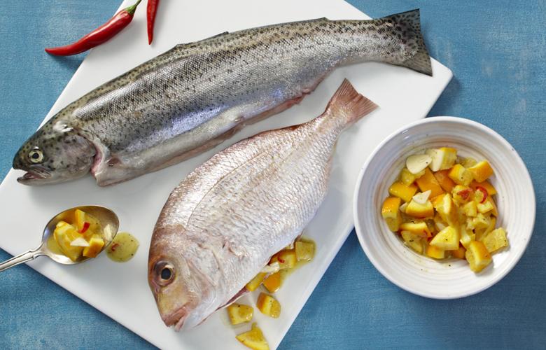 Fisch-grillen-einfach-und-unwiderstehlich-Tipps-von-Profis-Ganzer-Fisch-780x500