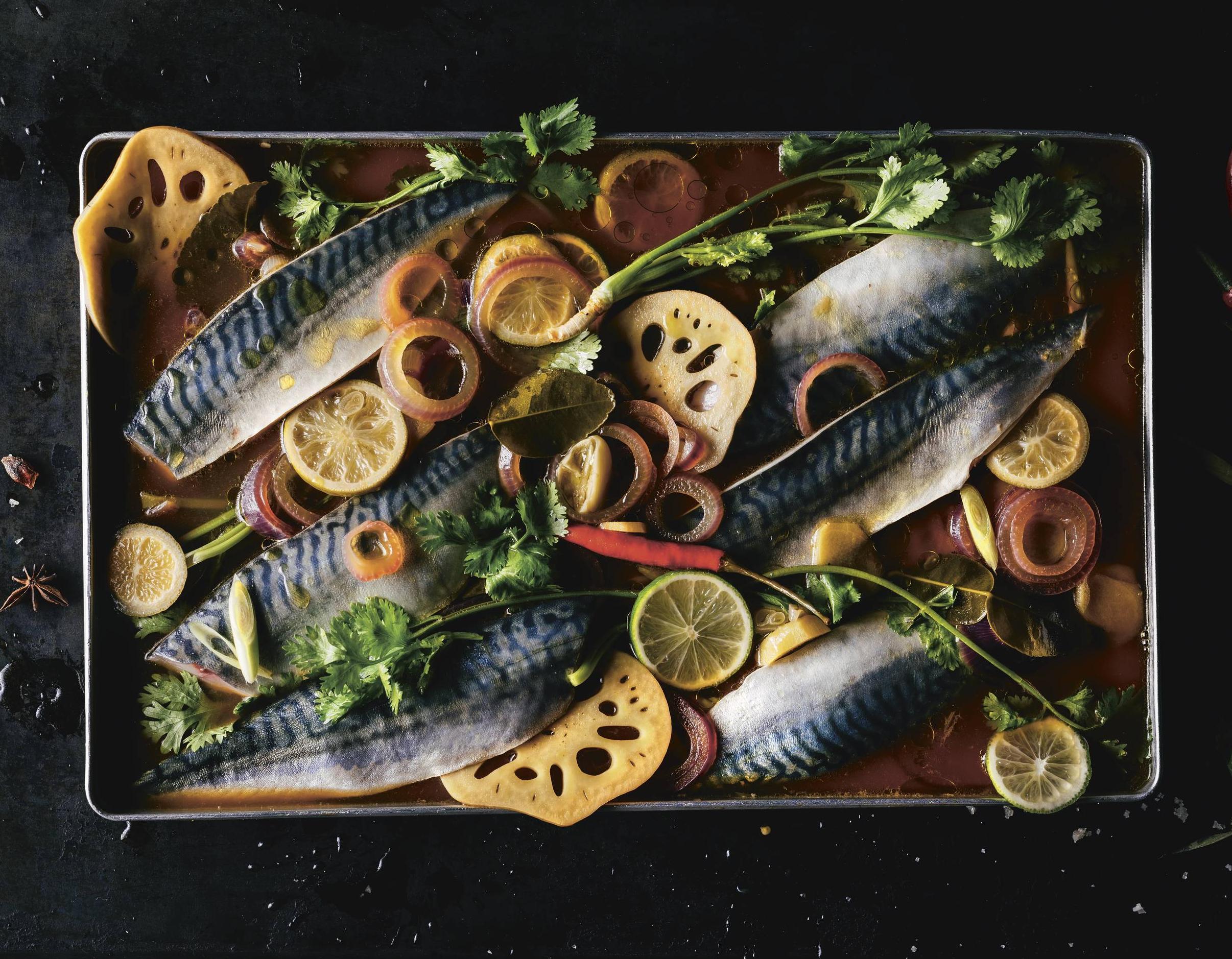 Makrele im Soja-Gewürzsud