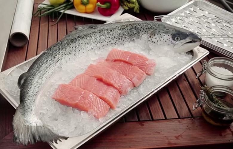 Fisch-grillen-einfach-und-unwiderstehlich-Tipps-von-Profis-Fisch-auf-der-Haut-780x500
