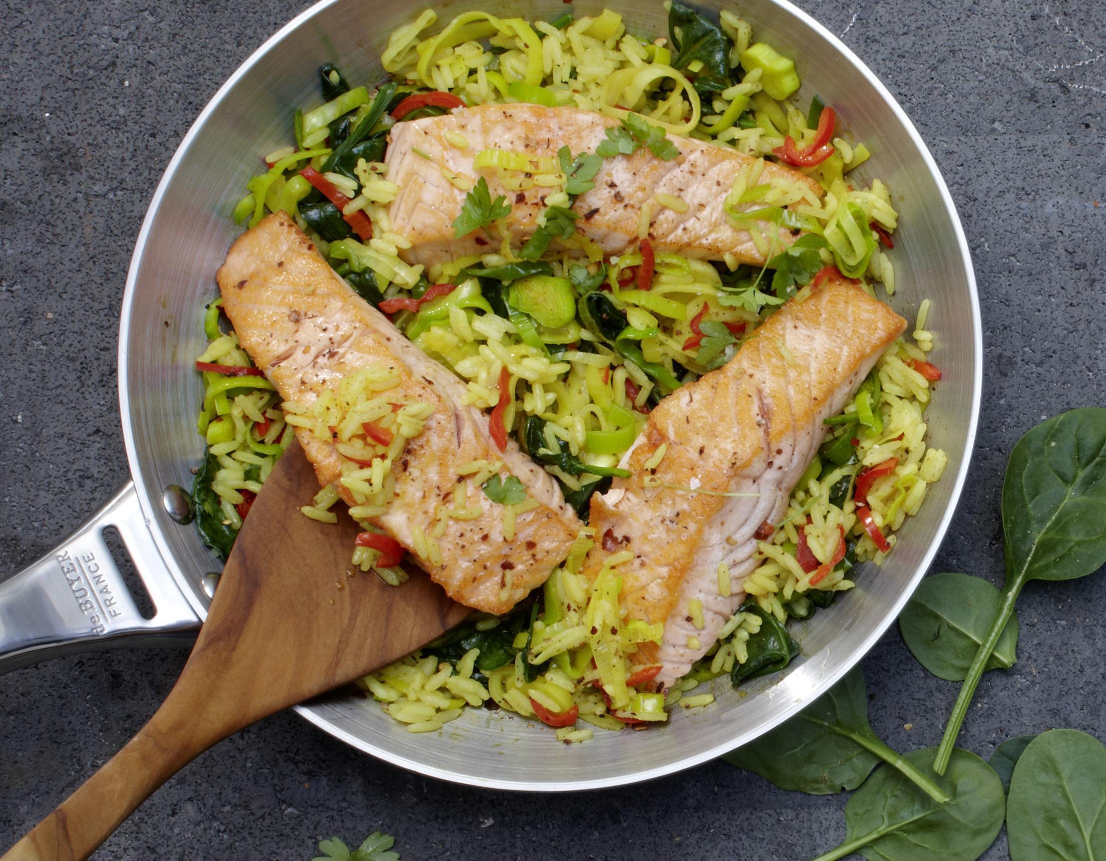 Lachspfanne mit Reis & Gemüse