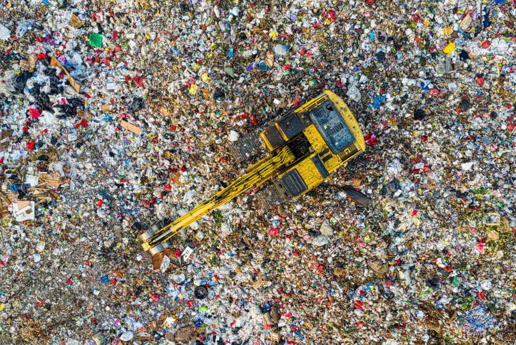 Zero Waste statt recycling - Luftbildaufnahme einer Mülldeponie in Indonesien