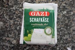 Schafskäse in Salzlake