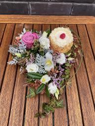 Blumenherz mit Minitörtchen