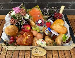 Frühstücksbox mit Blumengruß