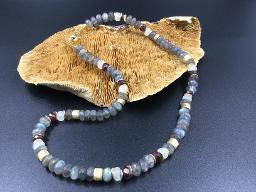 Collier Labradorit, Granat, Mondstein - Einzelstück