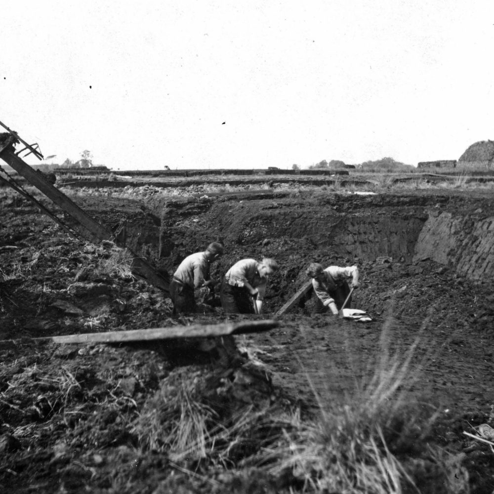 021 img384 Turfgravers bij de Jacobsladder mei 1932