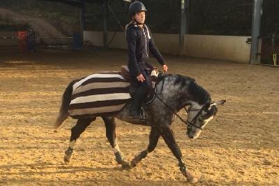 dune avec une cavalière de 12 ans