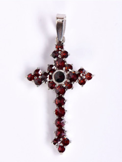 Přívěsek – Křížek Granátový Stříbrný -OKO