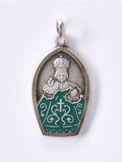 Colored Metal Infant Jesus of Prague Relief Pendant – Green