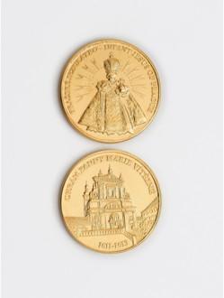 Mince žlutá - kostel