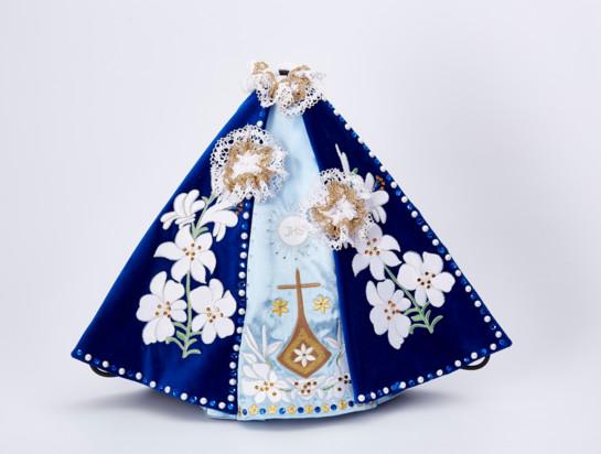 Šaty 39cm / 15.35in (na dřevěnou sošku Pražského Jezulátka 52cm / 20.47in) – modré - vzor Karmel