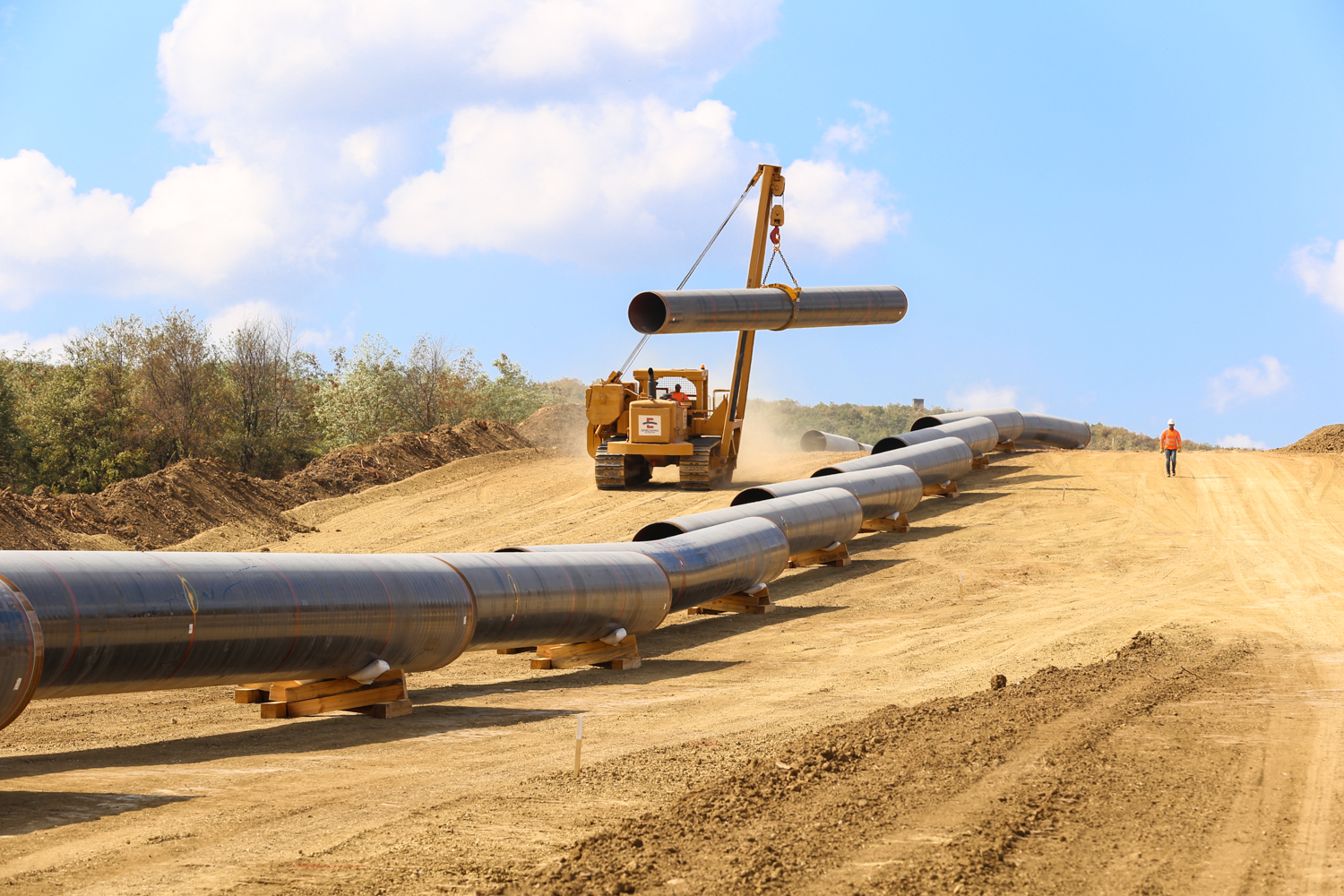 Gas Pipeline Pipe : Eu bank courts controversy with bn gas pipe investment