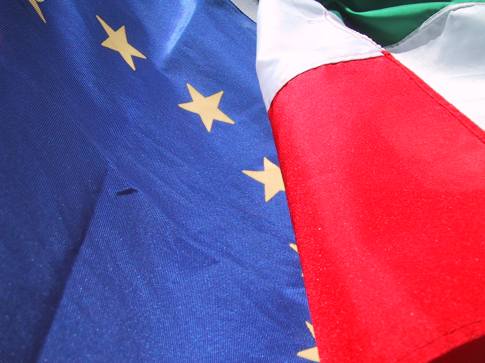Italian Populists Seal Coalition Pact in Challenge to EU Elites