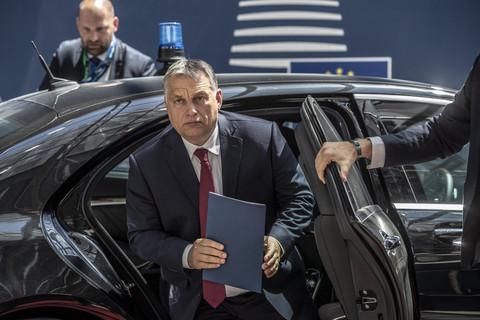 Orban de Hungría busca poder indefinido en la ley de virus 1