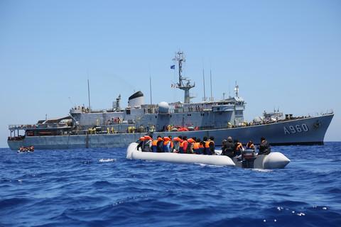 Frontex golpea par activista con proyecto de ley legal de € 24,000 61