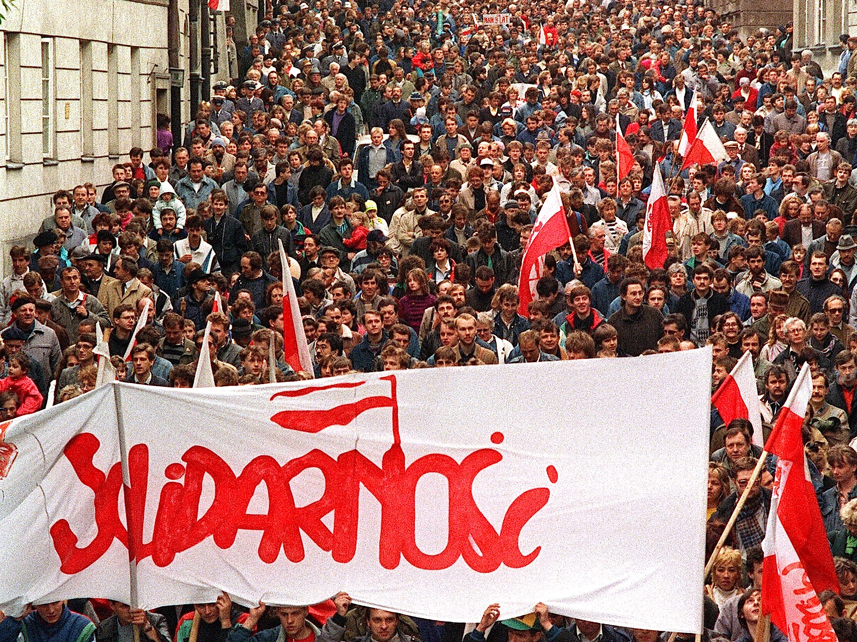 communism in poland Fall of communism in eastern europe, 1989 on november 9, 1989, thousands of jubilant germans brought down the most visible symbol of division at the heart of europe—the berlin wall.