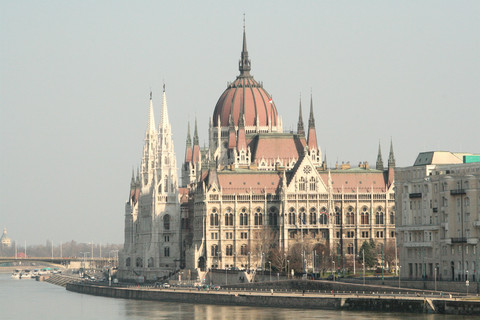 hungary economic crisis and a shift Impacts of the crisis on the fdi-led development model in hungary: emergence of economic patriotism or shift from the competition state to patronage mikl s szanyi 71 i in hungary after 2010 or in romania during the 1990s.