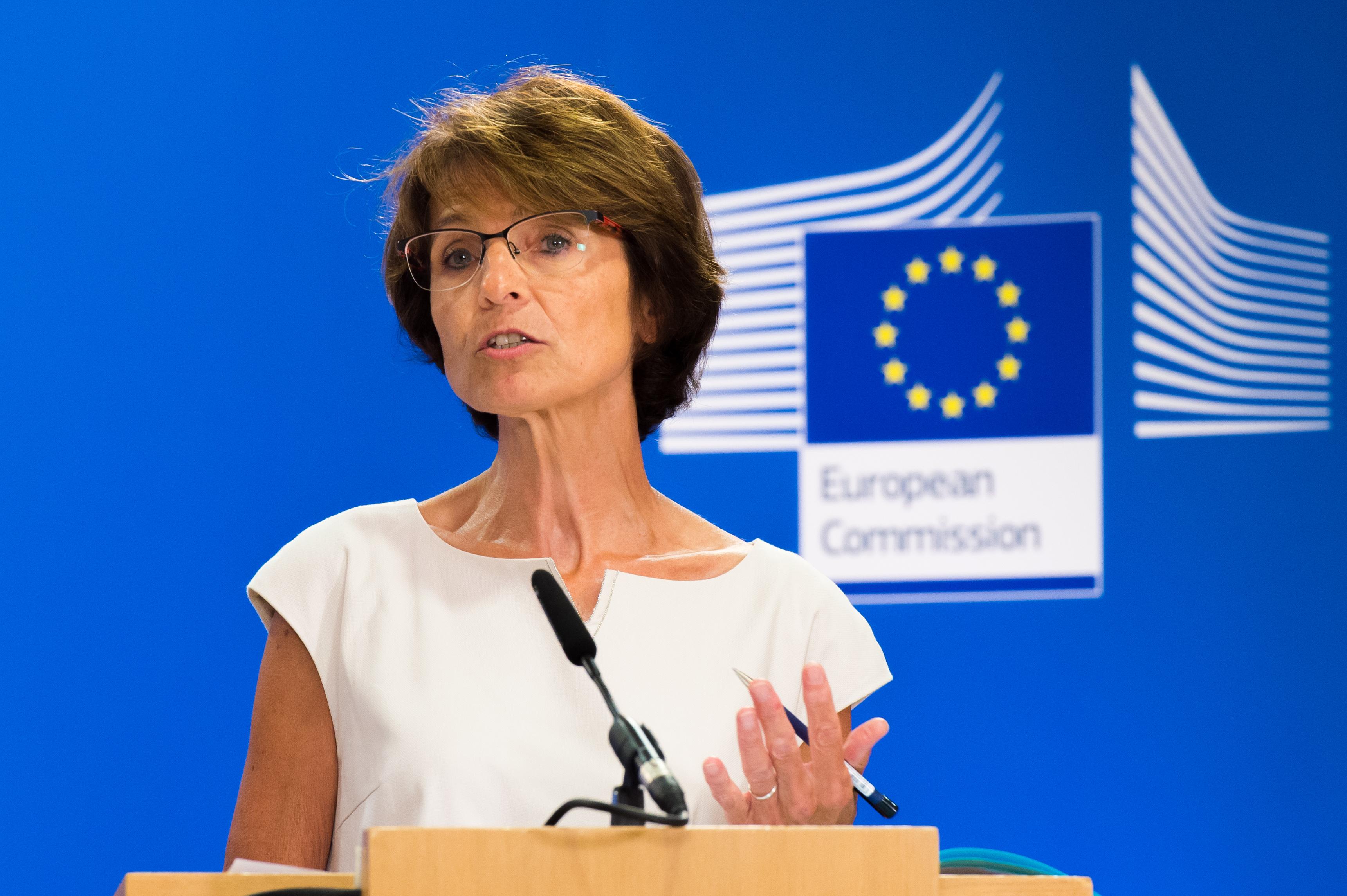 Eurostat backs Greek number crunchers on government debts