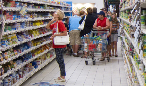 NGOs expose rights abuses in EU supermarket supply chains