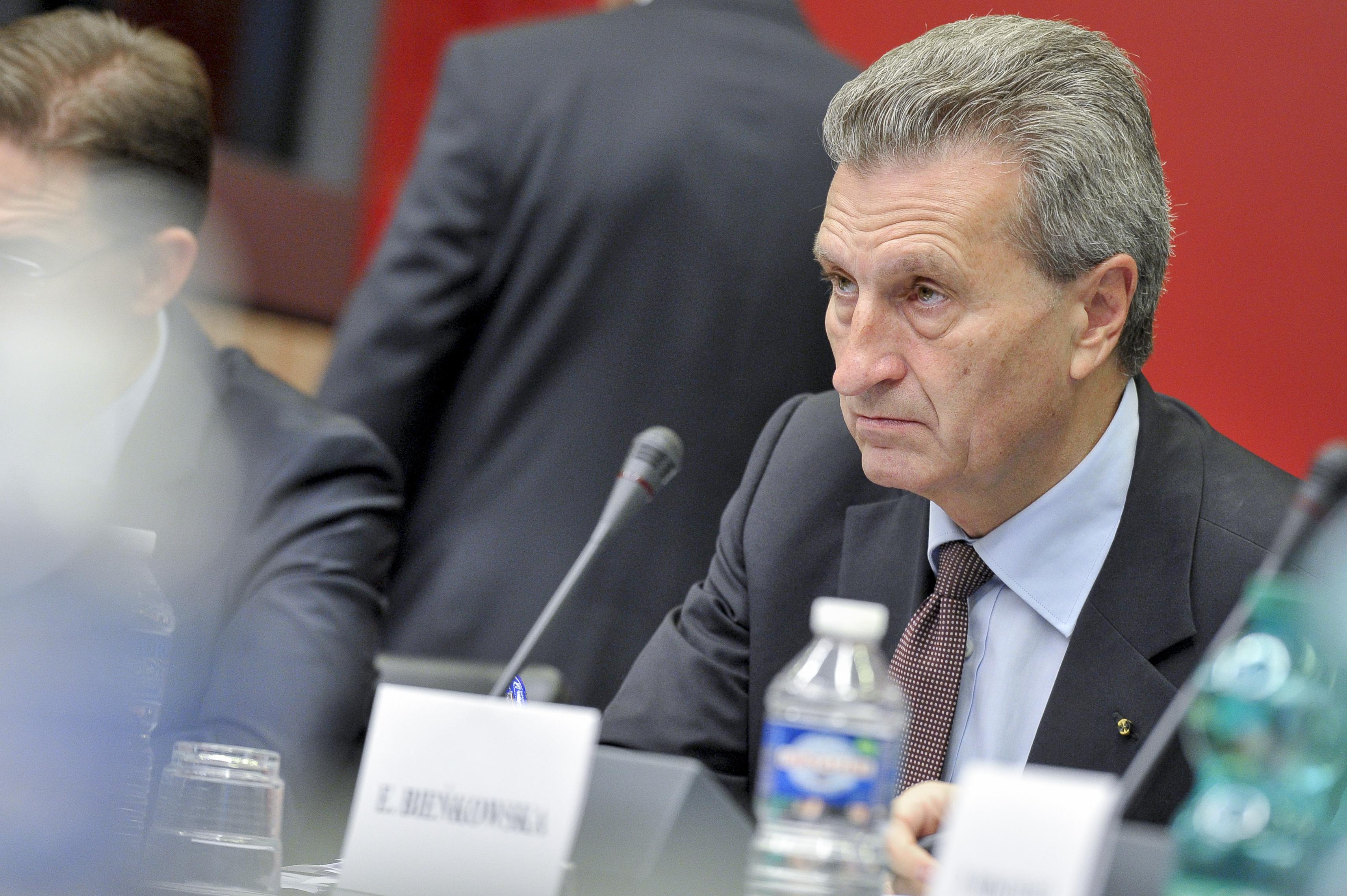 EU commissioner ducks questions on Selmayr affair
