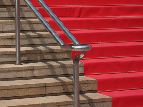 [Opinion] Roll out red carpet - or recycle it? Green Deal's EU blindspot
