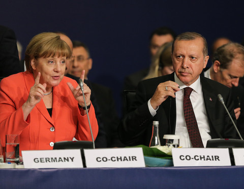 merkel casts doubt on turkey visa-free travel