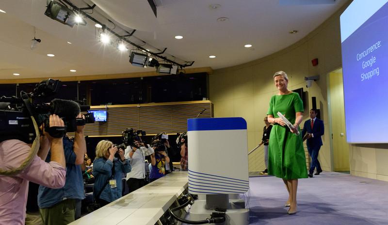 "Multa europea di 2,4 miliardi di Euro a Google per ""concoorrenza sleale"" 7efe1e135c4804e6b510544e2fb00927-800x"