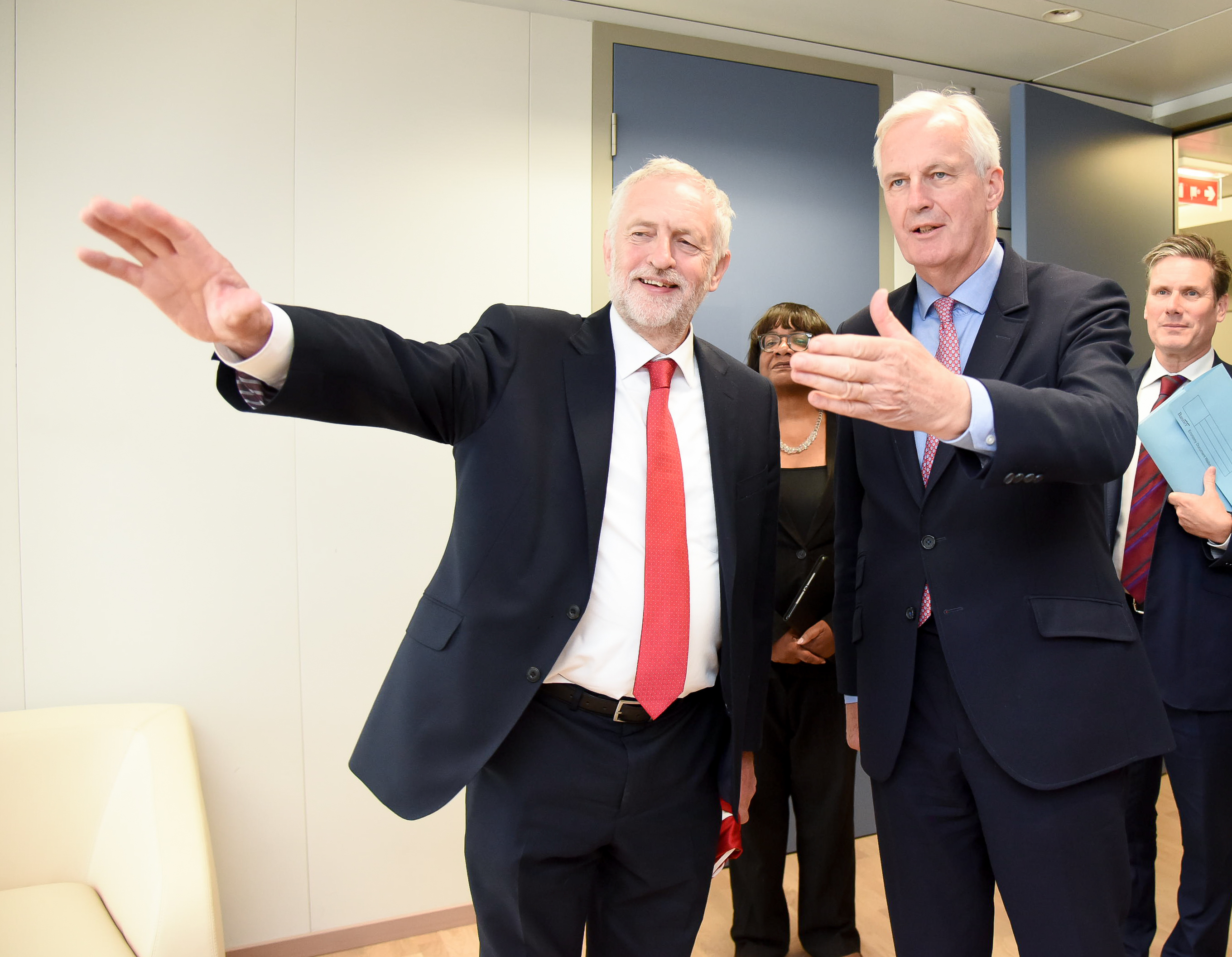 Brexit: Jeremy Corbyn 'ready' to lead negotiations if Government falls