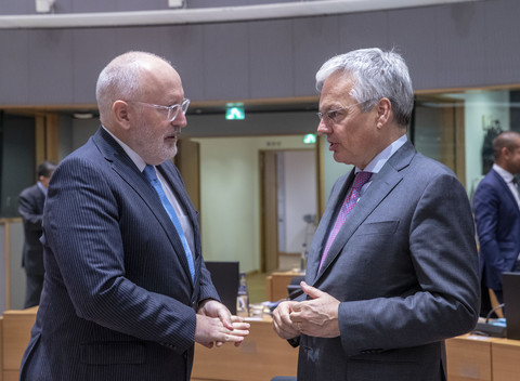 Reynders is the new Timmermans on rule of law