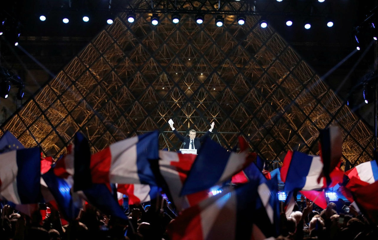 Trump congratulates Macron on winning French presidential election