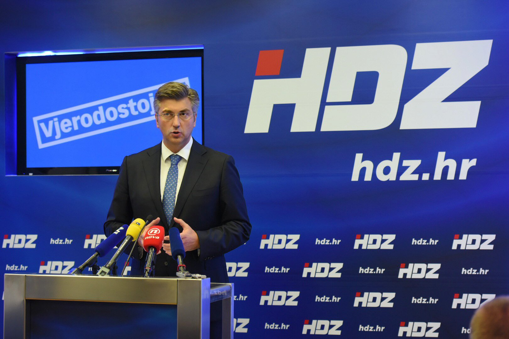 Conservatives take lead in Croatia poll